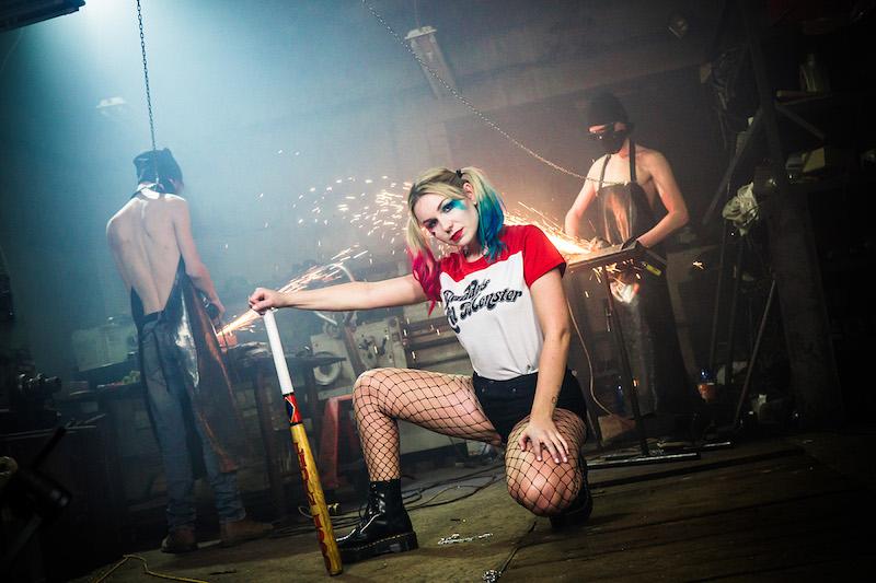 Prichádza Andie J. so sexy drzosťou ijemnou tváričkou Harley Quinn. Pozrite si jej debutový videoklip