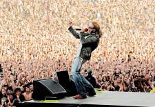 Šou roka: na Slovensko prídu Guns N' Roses!