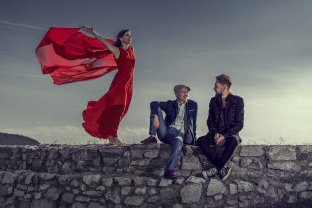 Longital s novým albumom Divoko