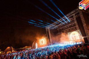 Neon festival 2016: Spokojnosť kapiel, nadšenie fanúšikov aj kvalitná produkcia