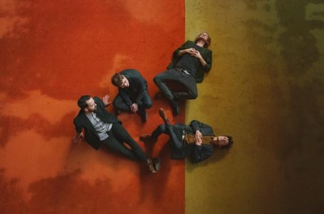 Pozrite si tajomný klip kapely Says z obrátenej pyramídy Slovenského rozhlasu