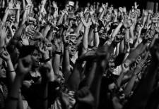 Je tu Máj – lásky čas a s ním exkluzívne súťaže na zaujímavé koncerty!