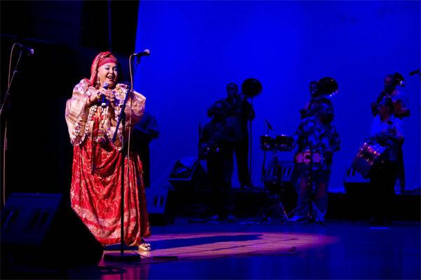 """Festival Colours of Ostrava zahájí """"královny a králové"""" světové romské hudby"""