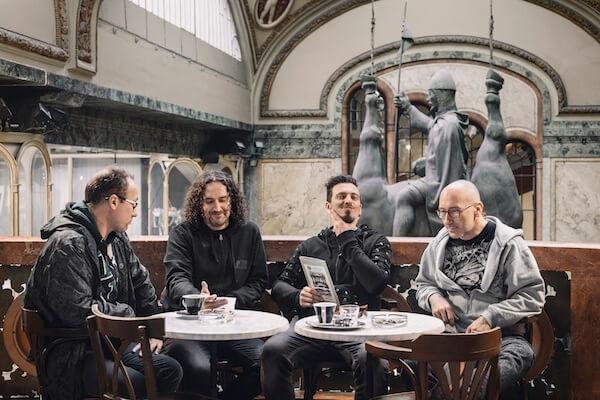 Horkýže Slíže majú novú basgitaristku, berú si ju so sebou na turné Pustite Karola!