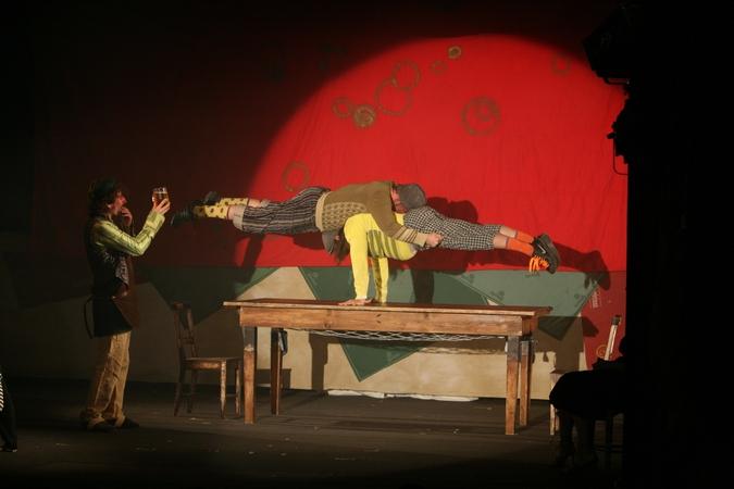Představení La Putyka, divadelní inscenace roku 2009, obohatí program festivalu Colours of Ostrava