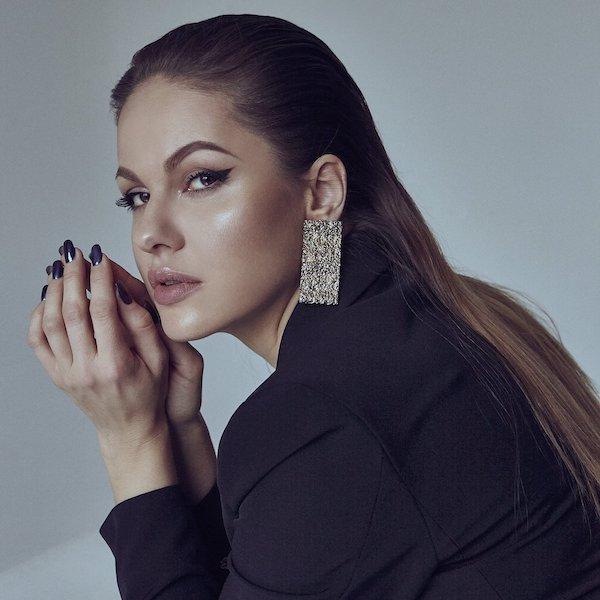 Tento rok vyjde na Slovensku unikátny debutový album plný hitov. Vydá ho Lina Mayer